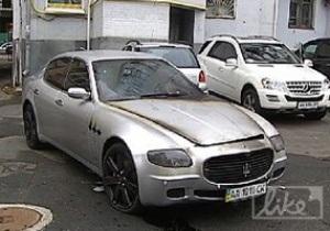 СМИ: У нападающего Динамо сгорел автомобиль Maserati