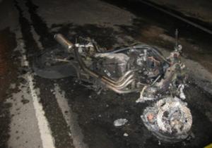 Під Києвом мотоцикліст врізався в автобус з хасидами
