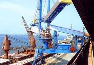 Ъ: Компания Фирташа приобрела крупнейший портовый терминал на юге Украины