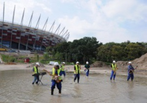 Евро-2012: На недостроенном стадионе в Варшаве пройдет Big Light Show