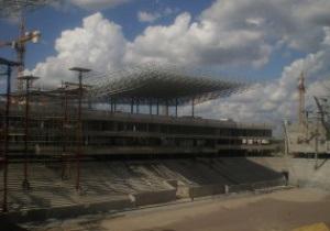 Евро-2012: На стадионе во Львове завершается монтаж металлоконструкций крыши