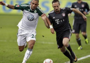 Бундеслига: Бавария вырвала победу у Вольфсбурга, Байер переиграл Вердер