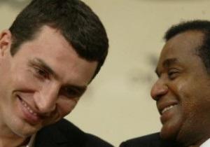 Боксер о тренере Кличко: Он помешан на джэбе, требует нокаута, и чтобы ты хорошо выглядел в ринге