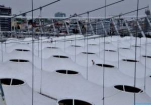 Фотогалерея: Одежка НСК. Олимпийский укрывают мембраной (обновлено)
