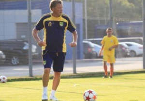 Руководство и тренеры Металлиста сыграли товарищеский матч с фанатами