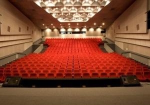 Ъ: Украинские кинотеатры увеличили кассовые сборы на 15%