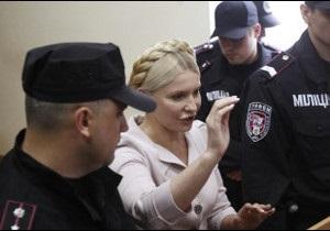 Тимошенко залишилася в суді без захисту