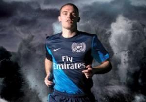 Арсенал в следующем сезоне будет выступать в темно-синей форме