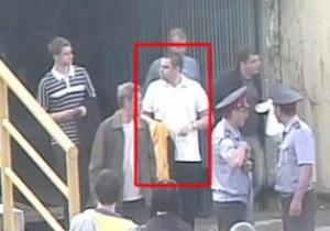 Крилья Совєтов визначили фаната, який жбурнув банан у Роберто Карлоса