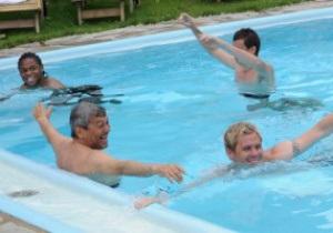 Фотогалерея: Купание Хитрого лиса. Луческу устроил заплыв с игроками Шахтера
