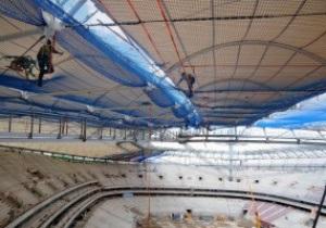 Фотогалерея: На стадионе в Варшаве возводят крышу