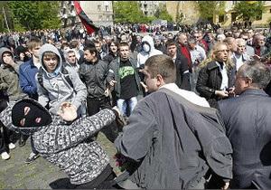 У Львові на 9 травня сутички зі стріляниною й пораненими