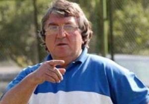 Главный тренер Арарата во время матча сломал челюсть фотографу