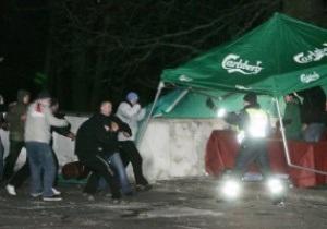 Пьяные польские хулиганы бесчинствуют в Каунасе