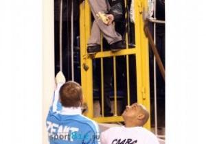 Инцидент с бананом: Зенит вместе с полицией будет искать фаната, оскорбившего Карлоса