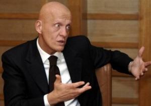Коллина: На Евро-2012 могут работать бригады из 5 арбитров