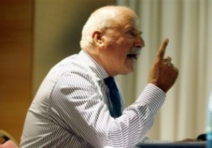 Киприот Марангос письменно извинился за обвинения в покупке Евро-2012