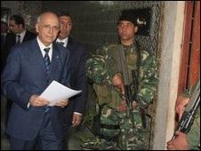 Прем єр Тунісу вийшов із правлячої партії