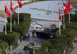 Армія Тунісу витісняє прибічників президента