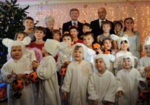 Фотогалерея: Мечты сбываются. Ахметов устроил праздник воспитанникам детских домов