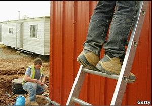 Українські заробітчани не квапляться додому