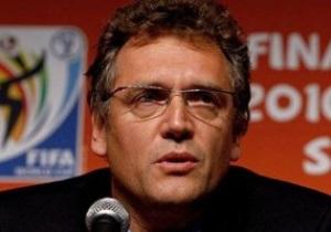 FIFA может принять систему судейства с пятью арбитрами уже в 2011 году