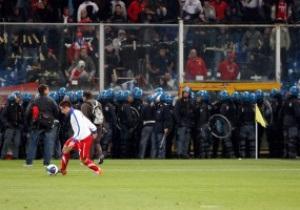 Союз футболу Сербії засудив дії хуліганів та італійської поліції