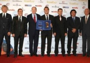 Тотти получил награду Golden Foot-2010