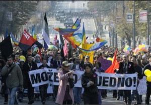 Масові заворушення у Белграді через гей-парад