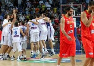 ЧМ-2010. Сербы стали первыми полуфиналистами. Испания в шоке