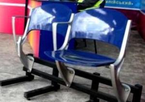 На НСК Олимпийском установят сидения в национальных цветах