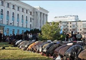 Президент не знаходить спільної мови з татарами