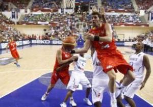 Первая сенсация. Испания проигрывает французам