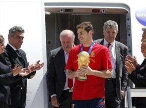 Збірна Іспанії прилетіла до Мадрида