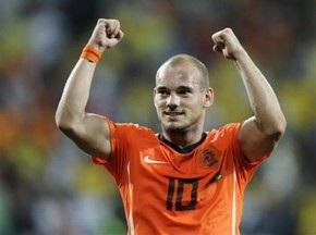 Первый мяч Голландии в ворота бразильцев записан на Снейдера