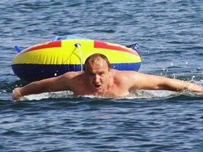 Севастопольские пловцы проплыли из Черного в Мраморное море