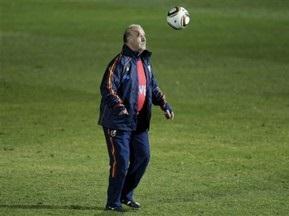 Дель Боске продолжит работу со сборной Испании