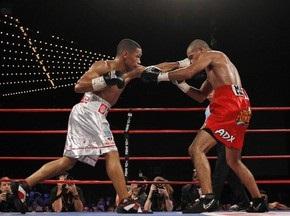 Бокс: Кальдерон відстояв титул Чемпіона світу
