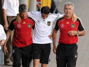 У збірній Німеччини травмувався ще один півзахисник