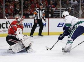 Stanley Cup: Ванкувер сократил отставание в серии с Чикаго