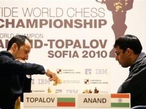 Шахматы: Ананд ведет в поединке с Топаловым