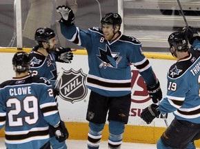 Stanley Cup: Акулы одолели Красные Крылья
