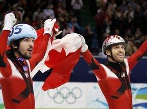 Шорт-трек: Сборная Канады выигрывает эстафету