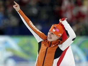 Конькобежный спорт: Золотая медаль у голландки Вюст