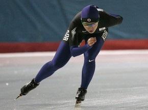 Конькобежный спорт: Кореянка становится Олимпийской чемпионкой