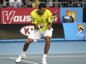 Australian Open: Тсонга в пяти сетах переиграл Альмагро