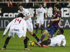 Примера: Валенсия разгромила Вильярреал, Реал проиграл Атлетику