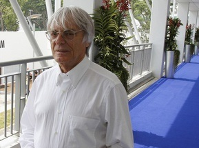 Экклстоун ставит на победу Шумахера в сезоне-2010