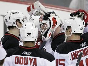 NHL: Дьяволы побеждают, Бродо бьет рекорды