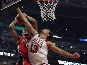 Баскетболіст Чикаго Буллс оштрафований за кидок м ячем у фотографа